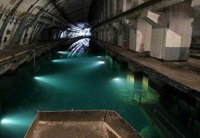 underground_submarine_base_19.jpg